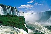 Водопады Игуасу – в числе новых чудес природы. // lifeglobe.net