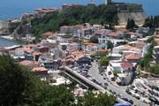 Черногория - популярное направление курортного отдыха. // Wikipedia