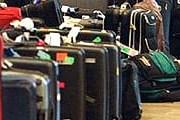 Туристы совмещают отдых за границей с шопингом. // otvetin.ru