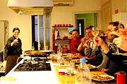 Туристы смогут приготовить и попробовать блюда испанской кухни. // trazzler.com