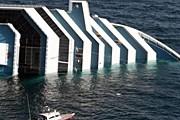 Лайнер Costa Concordia после аварии. // AP / Gregorio Borgia