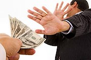 По мнению владельцев компании, экскурсии помогут в борьбе с коррупцией. // knowledge.allianz.com