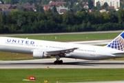 Самолет United Airlines // Travel.ru