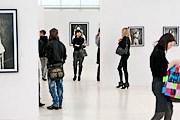 На Фотобиеннале представлены работы российских и зарубежных классиков. // catch-er.livejournal.com
