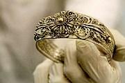 На выставке представлены образцы ювелирного искусства XIX века. // nm.cz