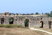 Туристы открывают для себя новые экскурсионные маршруты. // apiroshora.gr