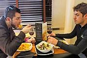 Поесть в кафе можно за 2 евро. // elmundo.es