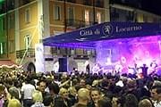 На городских площадях пройдут концерты и вечеринки. // nottebiancalocarno.ch