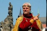 Королевская процессия проследует из Праги в Карлштейн. // praha.eu