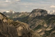 Природные памятники Черногории привлекают туристов. // marvaoguide.com