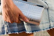 Длина юбки не должна превышать 38 сантиметров. // iStockphoto / zilli