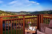 С открытых террас отеля можно любоваться окрестными пейзажами. // radissonblu.com