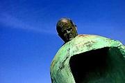 Скульптура вызвала возмущение жителей. // smh.com.au
