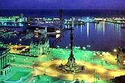 Большинство туристов посещает Барселону. // postcardexchange.net