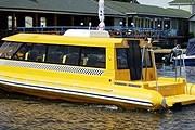 В Санкт-Петербурге действует четыре линии аквабусов. // visit-petersburg.ru