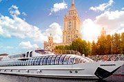 Прогулка на новой яхте будет комфортной. // Флотилия Radisson Royal Moscow