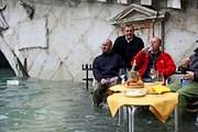 Больше половины города затоплено. // thedailymenh.com