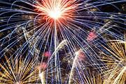 Новогодний фестиваль в Дублине сопровождается красочными фейерверками. // nyedublin.ie