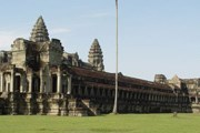 Камбоджа становится доступнее. // Wikipedia