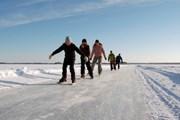 В хорошую погоду по льду можно дойти до Швеции. // visitfinland.com