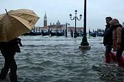 В Венеции наводнение и холодная погода. // zaberaj.ru