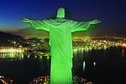 Крупнейшие памятники мира на сутки станут зелеными. // irishexaminer.com