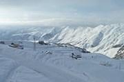 В Гудаури - отличный снежный покров. // tseycamp.ru