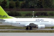 Самолет airBaltic // Travel.ru