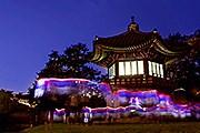 Павильон в саду дворца Чхандоккун // visitkorea.or.kr