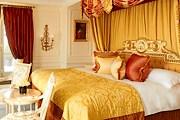Отель распродает мебель. // crillon.concorde-hotels.com