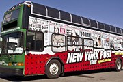 Автобус украшен заголовками The New York Post. // nypost.com