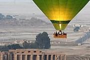 Полеты над Долиной Царей – популярное развлечение для туристов. // telegraph.co.uk