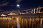Bay Bridge с новой подсветкой. // designyoutrust.com
