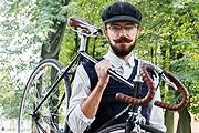 Участник прошлогоднего велопробега. // the-village.ru