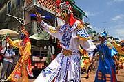 Парад на фестивале булочек. // wikimedia.org