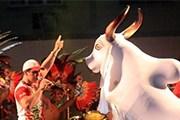 Главными действующими персонажами являются два быка. // parintins.com