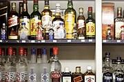 Ночная продажа алкоголя будет запрещена. // AFP