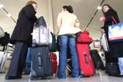 Туристов могут не выпустить в зону получения багажа. // foxbusiness.com