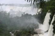 Объем воды, проходящий через водопады, увеличился. // Wikipedia
