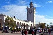 Маршрут знакомит с достопримечательностями города. // e-travels.com.ua