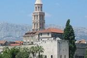 Дворец построен в конце III - начале IV века. // Wikipedia