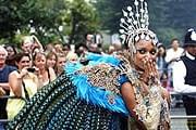 Карнавальные шествия будут проходить два дня. // thenottinghillcarnival.com