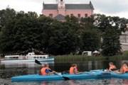 Инфоцентр плавает по озерам Вигерского национального парка. // rp.pl