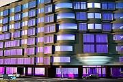 Здание Renaissance Izmir Hotel // marriott.com