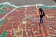 Карта размещена прямо на земле. // Noticia.ru