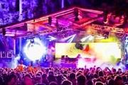 Фестиваль привлекает тысячи гостей. // snowbombing.com
