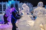 Скульпторы за работой // icesculpture.be