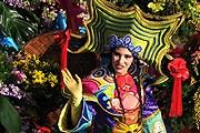 Ежегодный парад цветов в рамках карнавала в Ницце. // yesicannes.com