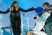 Музыканты сами вырезают инструменты из льда. // icemusicfestival.no
