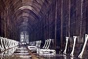 В нефтехранилище Inchindown водят туристов. // The Independent